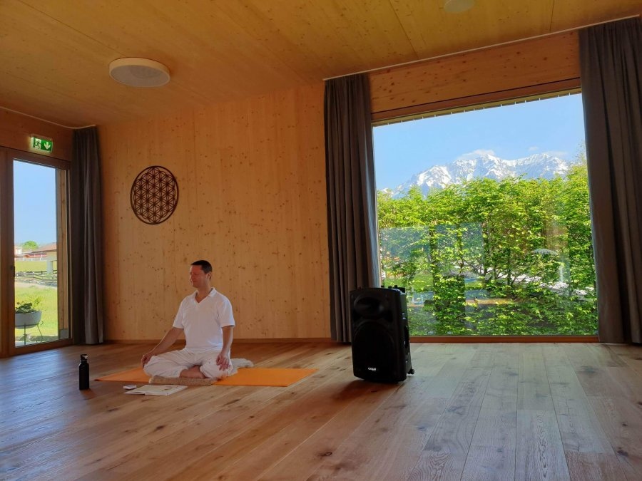 Hotel Bergkristall Yogaraum2